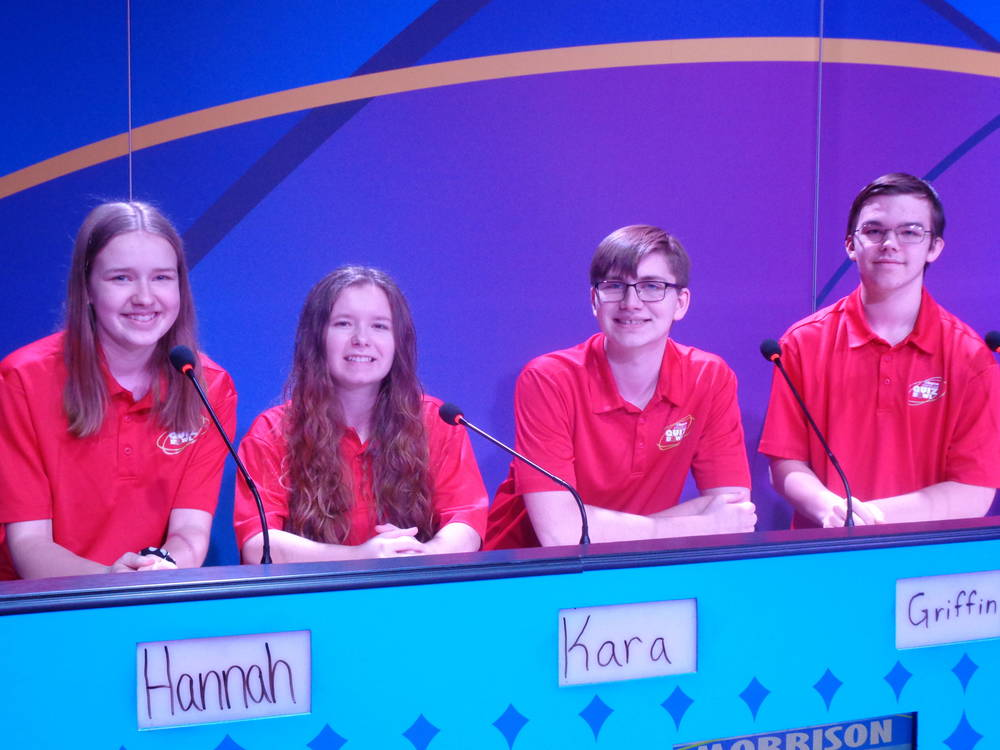 Scholastic Bowl finishes season with 29-18 overall record