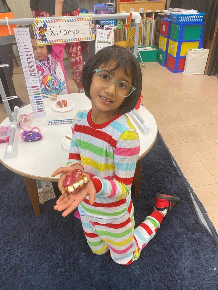Apple smiles to celebrate dental health month